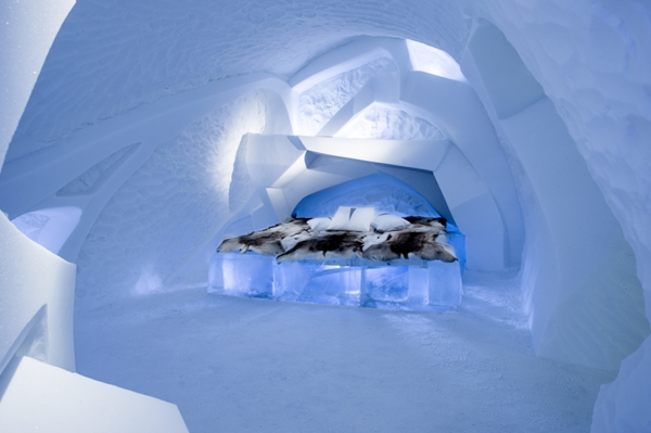 Art suite - Livoq Fabien Champeval & Friederike Schroth  ICEHOTEL 28  Photo by - Asaf Kliger