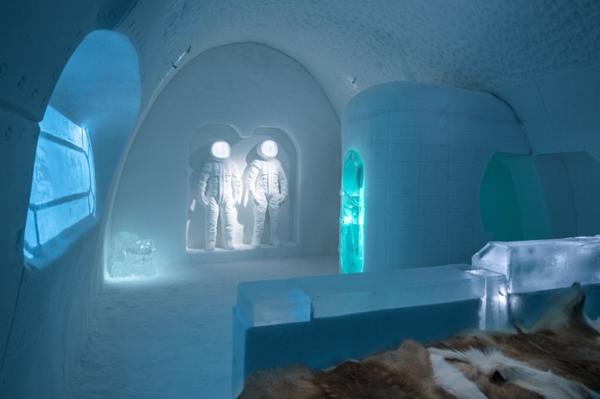 Art suite - Space Room, Adrian BoisPablo Lopez. ICEHOTEL 28  Photo by - Asaf Kliger