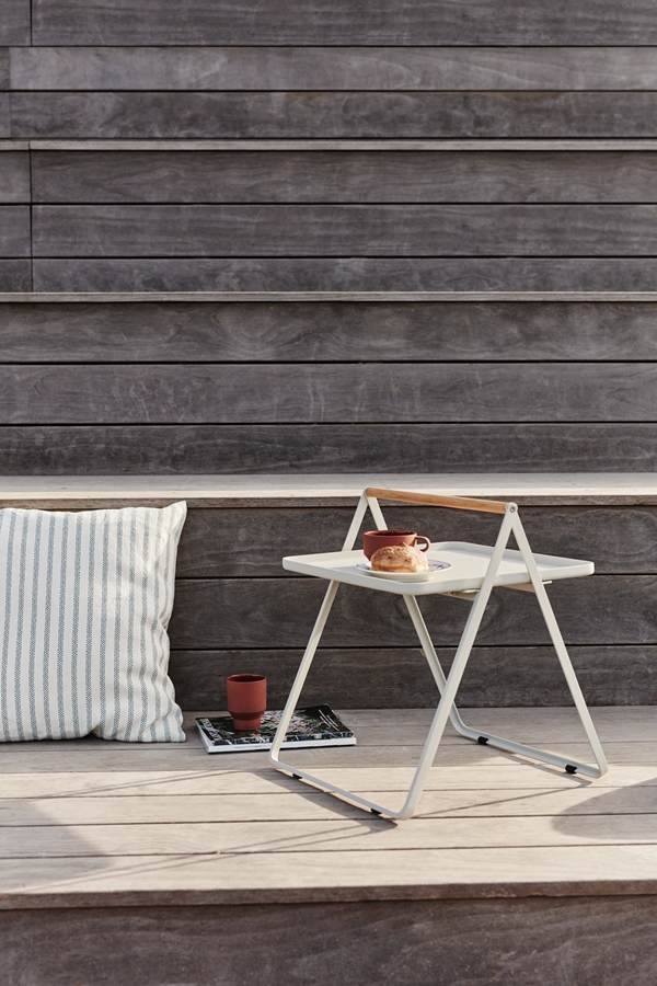 1507004 By Your Side Tray Table, Light Grey 02