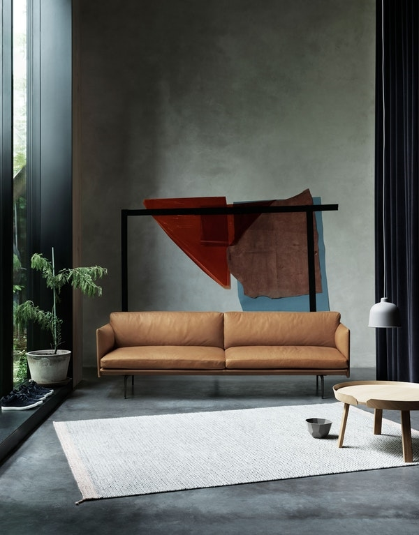 1516783113546287outline-sofa-cognac-silk-leather
