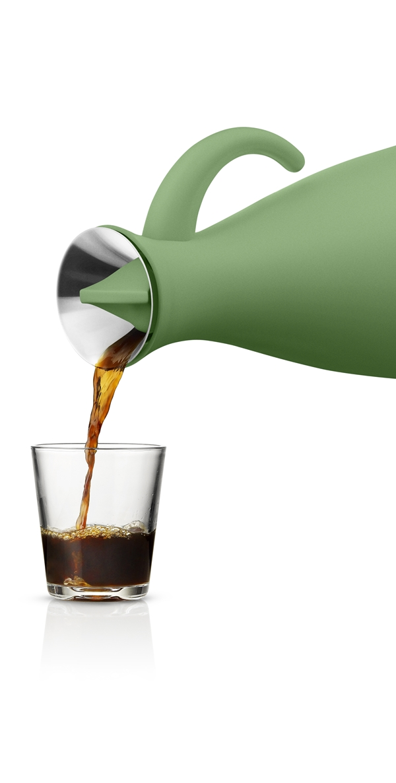 502807_Vacuum_jug_100cl_pouring_Botanic_Green_HIGH