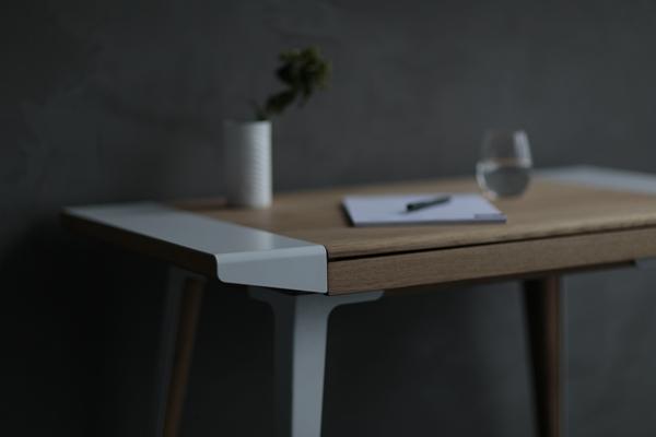 Ambitions_desk_Lifestyle_300dpi (2)