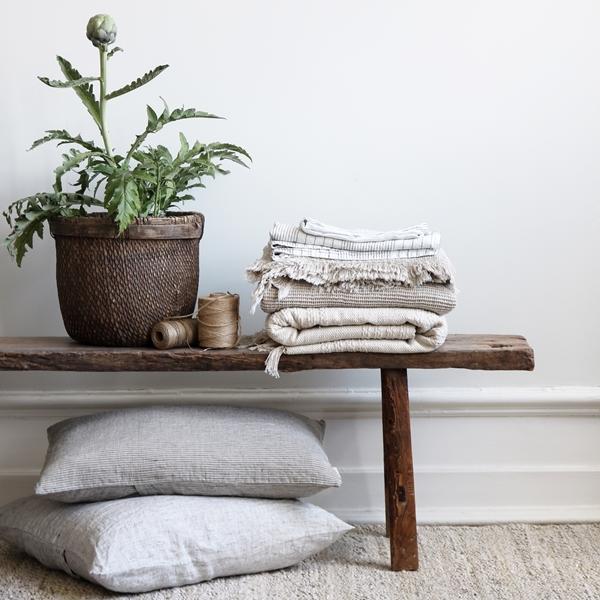 Cushions_Blankets