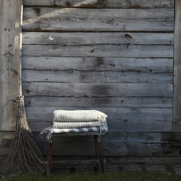 Fårö blanket_Wool blanket stripe grey