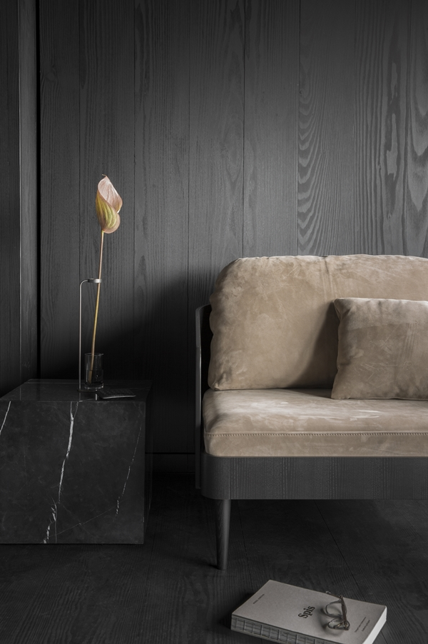 MENU - Plinth Septembre Sofa Stem Vase