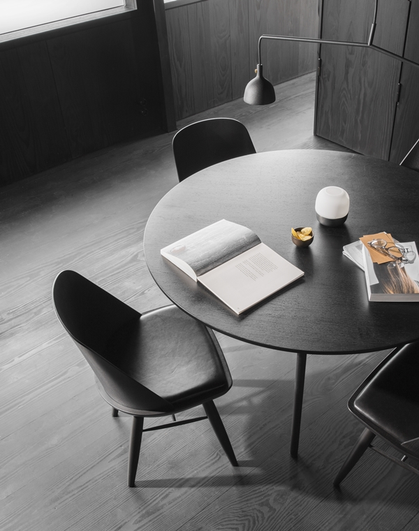 MENU - Snaregade Table Synnes Chair