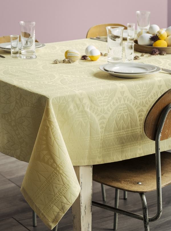 Easter tablecloth_Interior (1)