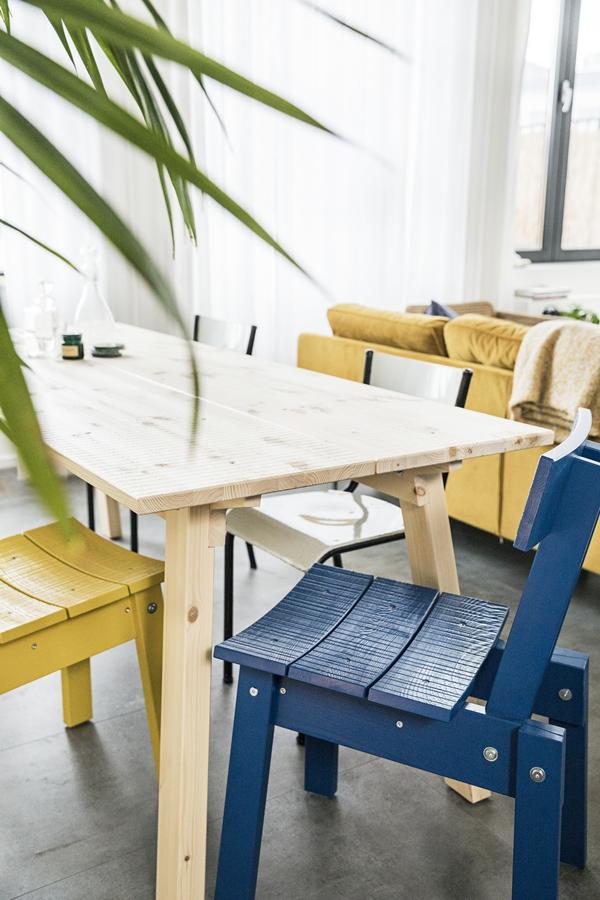 IKEA_INDUSTRIELL_bord_furu_stol_mellanbla_gul_PH149996
