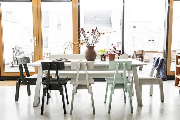 IKEA_INDUSTRIELL_bord_stolar_vas_PH150005
