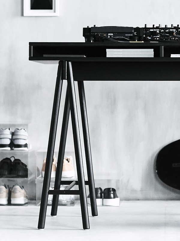 IKEA_SPANST_kollektion_bordsskiva_med_benbockar_PH149842