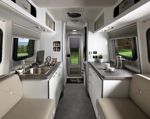 Airstream-Nest-Trailer-7-white-810x644