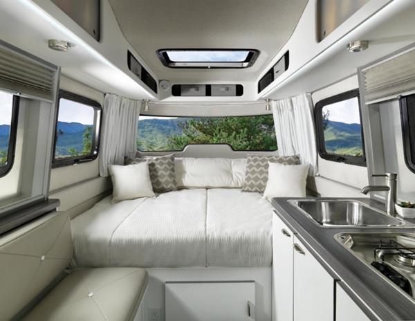 Airstream-Nest-Trailer-8-810x626