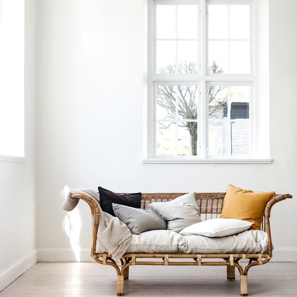 Cushion cover linen mustard, calma blanket 2