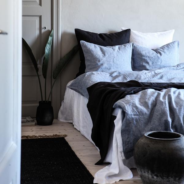 Linen woven light blue, carbon 2