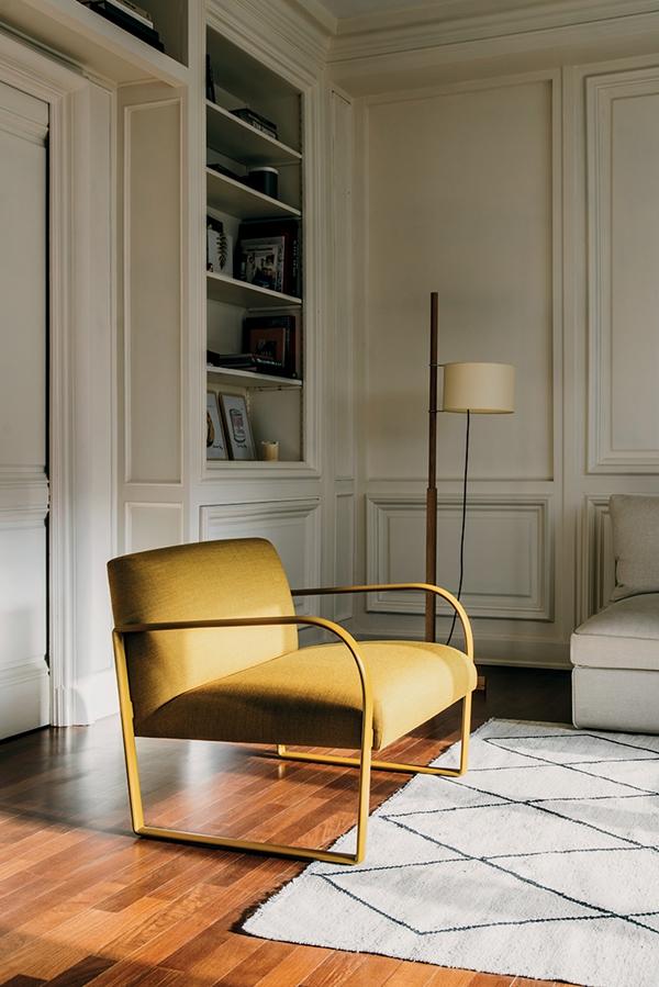 Arper_Arcos_armchair_sled_upholstery_PrivateResidence_ph-SalvaLopez_6101_2
