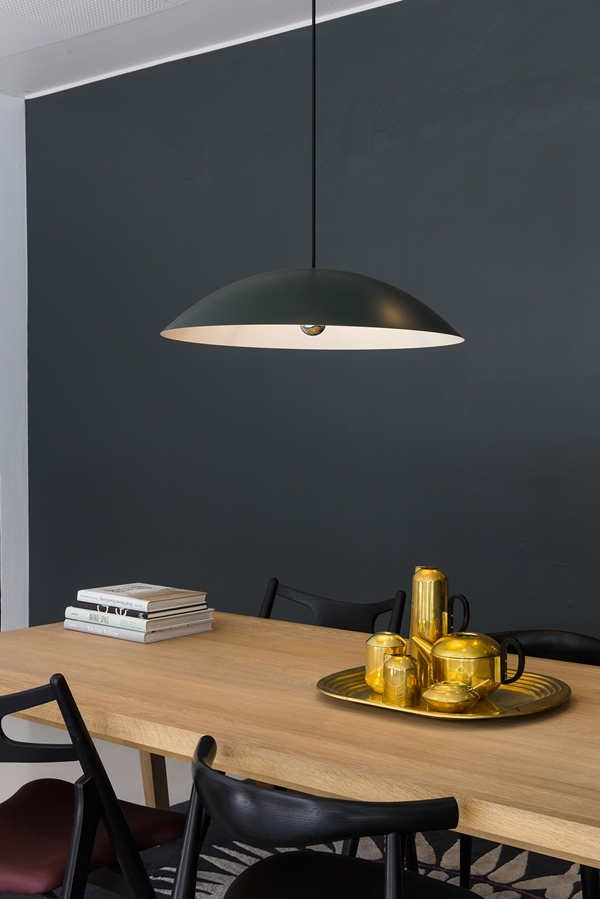 BT1041-Calot-Despina-Green_Black_Extend-Table