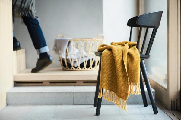 IKEA_OMTAANKSAM_stol_antracit_PH152561