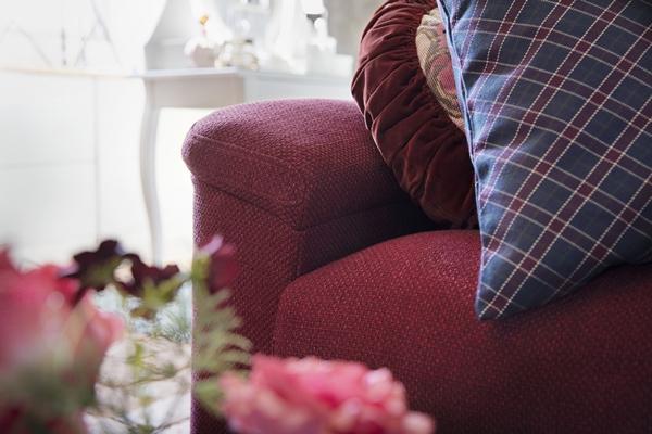 IKEA_oktobernyheter_2018_LIDHULT_3-sitssoffa_LEJDE_rodbrun_PH154569
