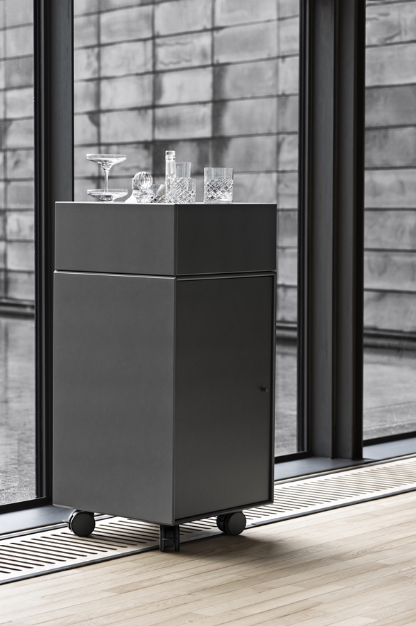 Montana_Office_Drink_Collection_Anthracite_Detail_2016_H