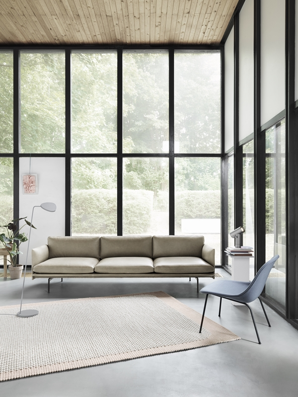 Outline-35-stone-silk-fiber-lounge-divina-154-pebble-leaf-beam-muuto-org