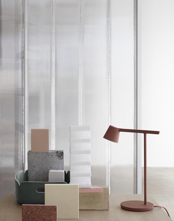 Tip-lamp-restore-tray-dusty-green-muuto-org