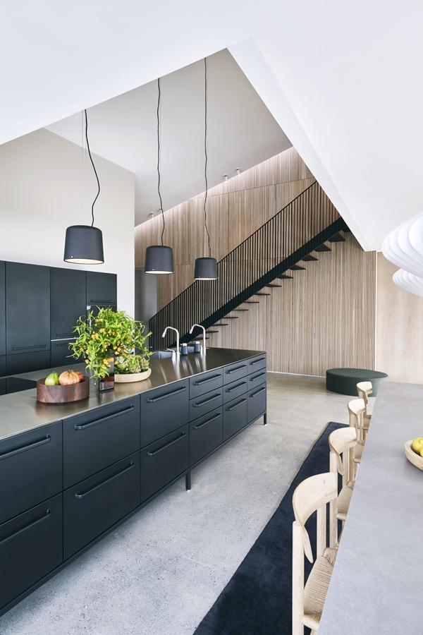14_Dragoer-vipp-kitchen-1-low